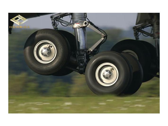 飞机铝合金零部件喷砂